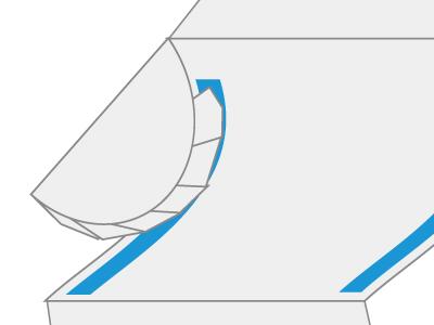 カーブ部分を慎重に貼りつける