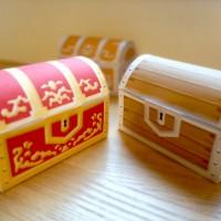 赤箱と木箱