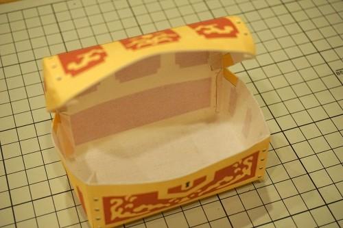 箱状に貼って組み立てる